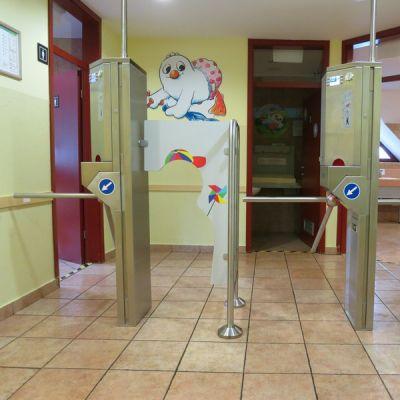 Vstop v javne sanitarije preko avtomatske blagajne